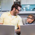 Día del papá: 4 consejos para regalonearlos con tecnología en su día